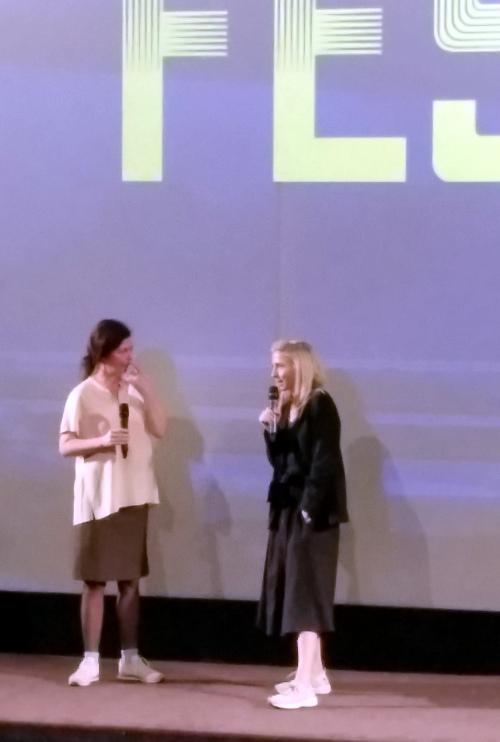 Jessica Haussner (rechts) im Gespräch nach der Vorstellung