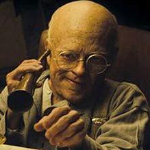 Der Greis beginnt, die Welt zu entdecken (c) Warner Bros.