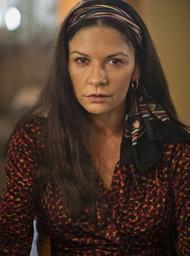 Die schöne Catherine Zeta-Jones als Cocaine-Godmother, verfilmt 2017. (c) Lifetime Television (USA)